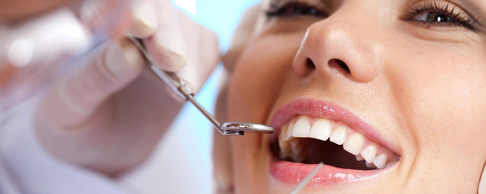 Clínica Dental <br/>Bernat Hervàs